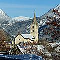 L'église saint-pierre de puy-saint-pierre : l'extérieur et le cimetière