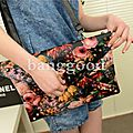 Party Accessories: Painting Flowers <b>Clutch</b> Bag