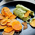 <b>Chips</b> de patates douces au guacamole