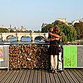 Amoureux Pont des Arts_7135