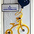 carte d'anniversaire garçon avec vélo jaune et ballon bleu