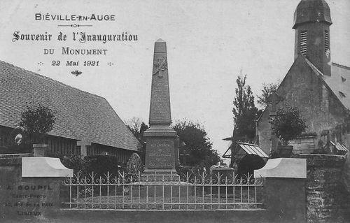Biéville-en-Auge - Monument aux Morts