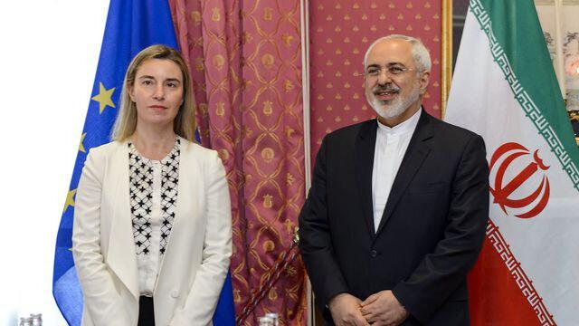 la-chef-de-la-diplomatie-de-l-union-europeenne-federica-mogherini-et-le-ministre-iranien-des-affaires-etrangeres-javad-zarif-a-lausanne-le-29-mars-2015_5310425