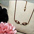 Collier perles cubes de verre transparent et chaine cuivre, <b>bijou</b> mode rétro vintage