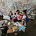 Une <b>favela</b> de Rio envahie par... des conteurs d'histoires