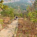 temple phnom bok_descente par les marches d'escalier_01