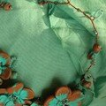 Collier tortillons et fleurs, turquoise et marron en fimo, rocaille et fil de fer (vue 1)