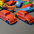 Tomte Laerdal (Stavanger Norway), deux VW <b>Coccinelle</b> différentes par la taille et la fonction ! Vintage évidemment...