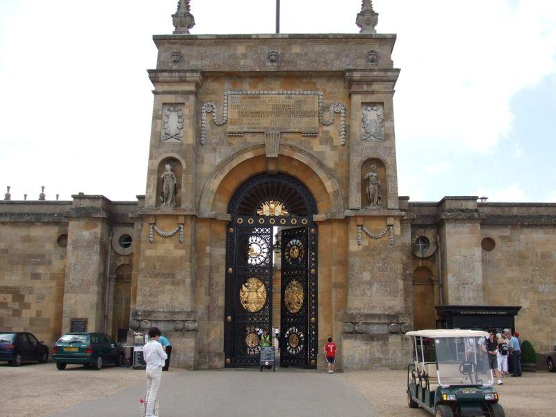 blenheim palace gate