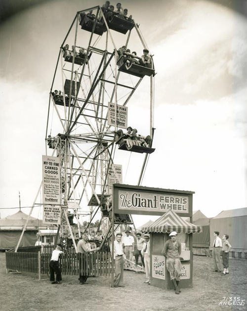 Carnival ferris wheel, Oregon, c