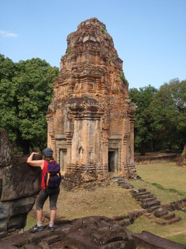 Un des petits stupas du Bakong