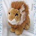 Doudou Peluche Assis Lion Beige Marron Blanc <b>CMP</b>