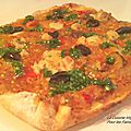 Pizza épaisse et moelleuse à la ratatouille et au fromage fondant