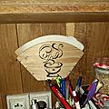 Porte filtres à café en bois et pyrogravure