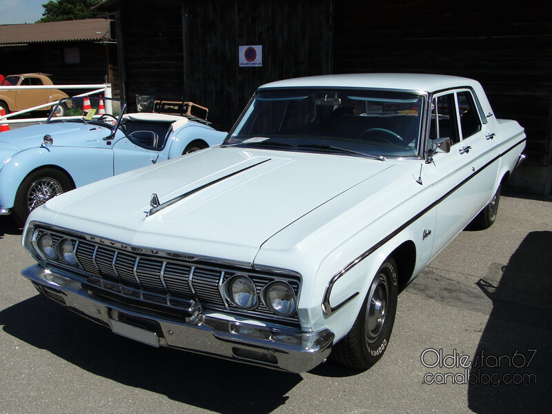 plymouth-belvedere-4door-sedan-1964-01