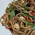 Salade de spaghetti aux légumes grillés et fêta