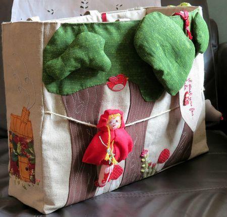 le sac du petit chaperon rouge contes et comptines en tissus. Black Bedroom Furniture Sets. Home Design Ideas