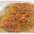 Velouté de légumes et pains roulés au saumon
