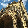 Metz fronton cathédrale depuis place du marché