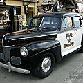Ford deluxe fordor sedan-1941