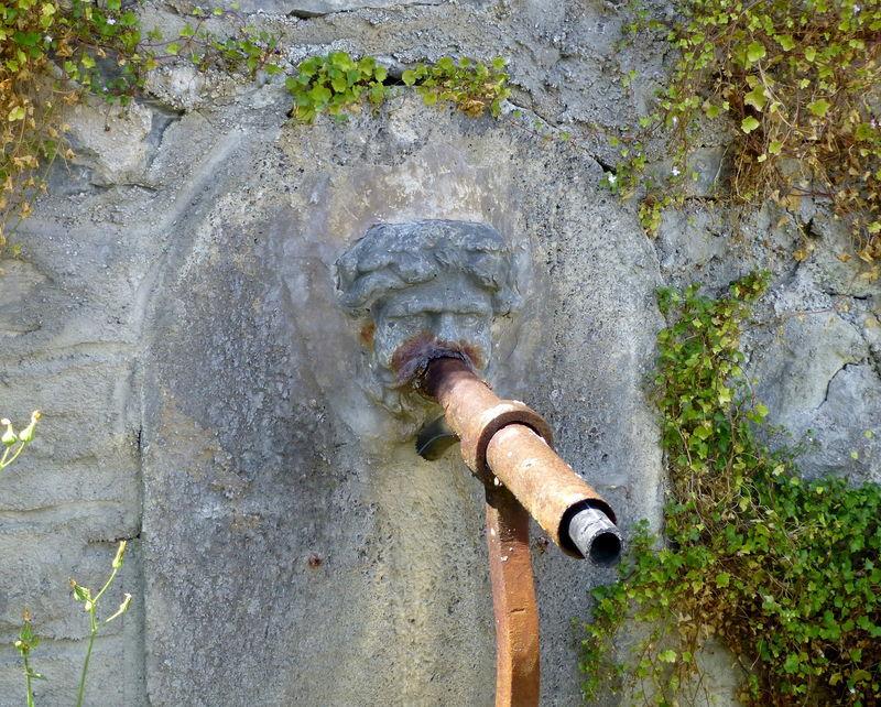 fontaine à Saint-Bonnet d'Orcival
