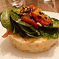 Bénédictine de <b>haddock</b> au céleri, pousses d'épinard et poivrons grillés à l'huile