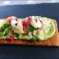 Tartines feuilletées au <b>crabe</b>, avocat et pomme verte