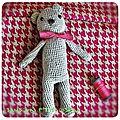 Défi des sc and more n° 323 : un ours! ici c'est mon premier ours au crochet, un peu de guingois et un peu koala...