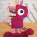 Doudou cheval fuchsia gris rose