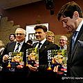 100-325-LE NOUVEAU CALENDRIER DES GEANTS 2012 EST ARRIVE