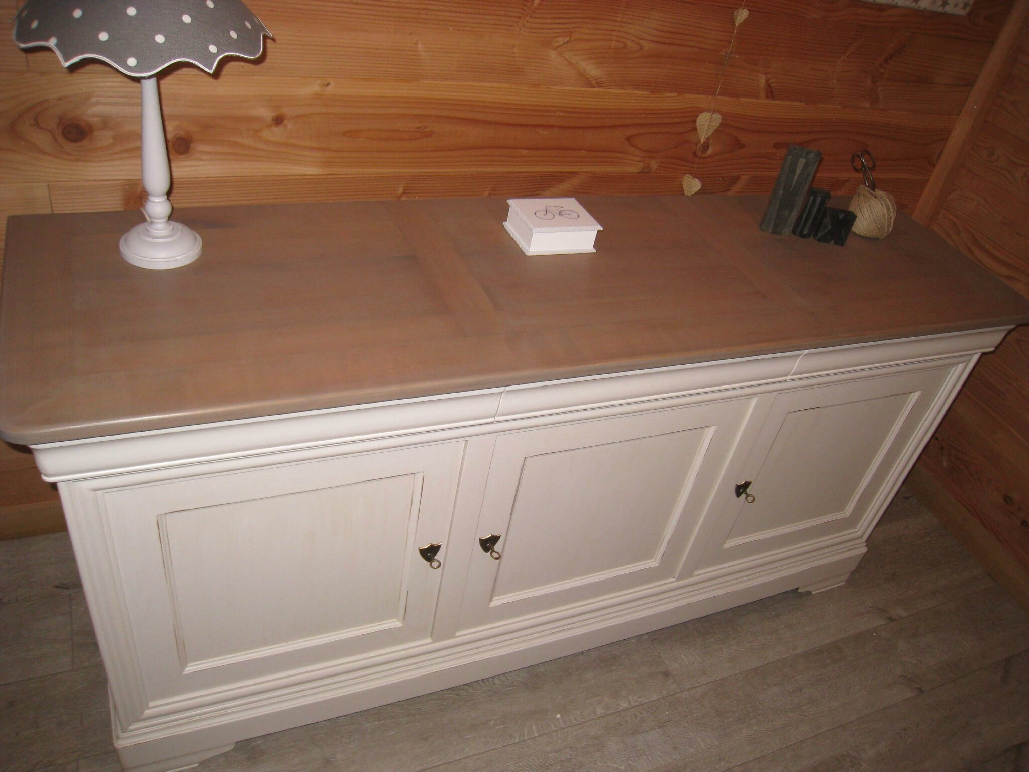 meuble relook patine commode style louis xv relooker relooking meubles des techniques de. Black Bedroom Furniture Sets. Home Design Ideas