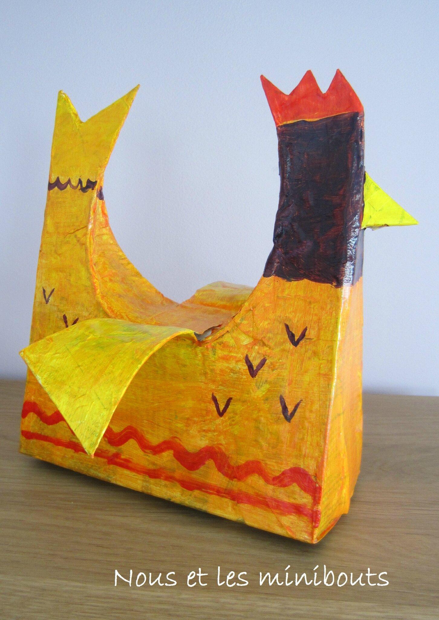 Bricolage de Pâques - Une poulette en papier mâché