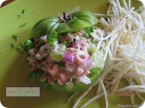 Tomate verte aux crevettes grises.