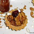 Petits fours sablés ou mini tartelettes au caramel beurre salé - noix - cranberry
