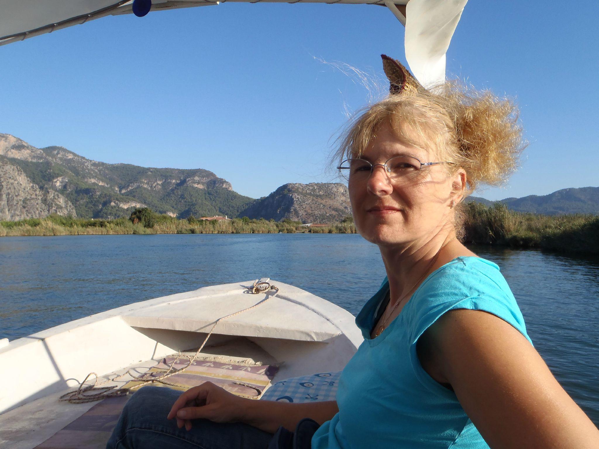 turquie : dalyan croisiere sur la riviere seuls sur le bateau