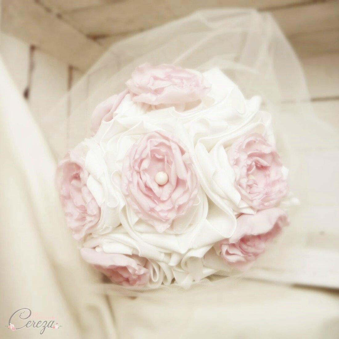 mariage rose poudré ivoire bouquet mariee original Agathe Mademoiselle cereza deco 2