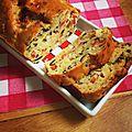 Cake salé au chèvre, tomates séchées et olives [sev]