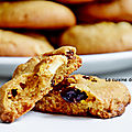 Biscuit au chocolat blanc, baies de goji et <b>cranberries</b>