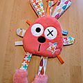 lapin_attache_t_tine_rouge_corail_beige__3_