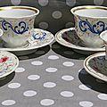 Quatres tasses et sous tasses en porcelaine époque Napoléon III