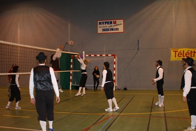 2010-12-16_volley_deguise_13