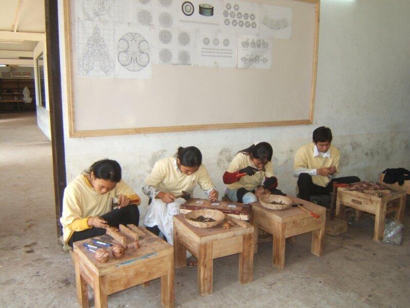 Les artisans à l'ouvrage