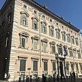 <b>Sant</b>'<b>Eustachio</b> - Entre Navone et Panthéon (2/14). Le Palais Madame sur lequel veillent de fiers carabiniers.