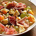 Salade d'autonme mi-figues mi-raisin au jambon cru, noix et fromage