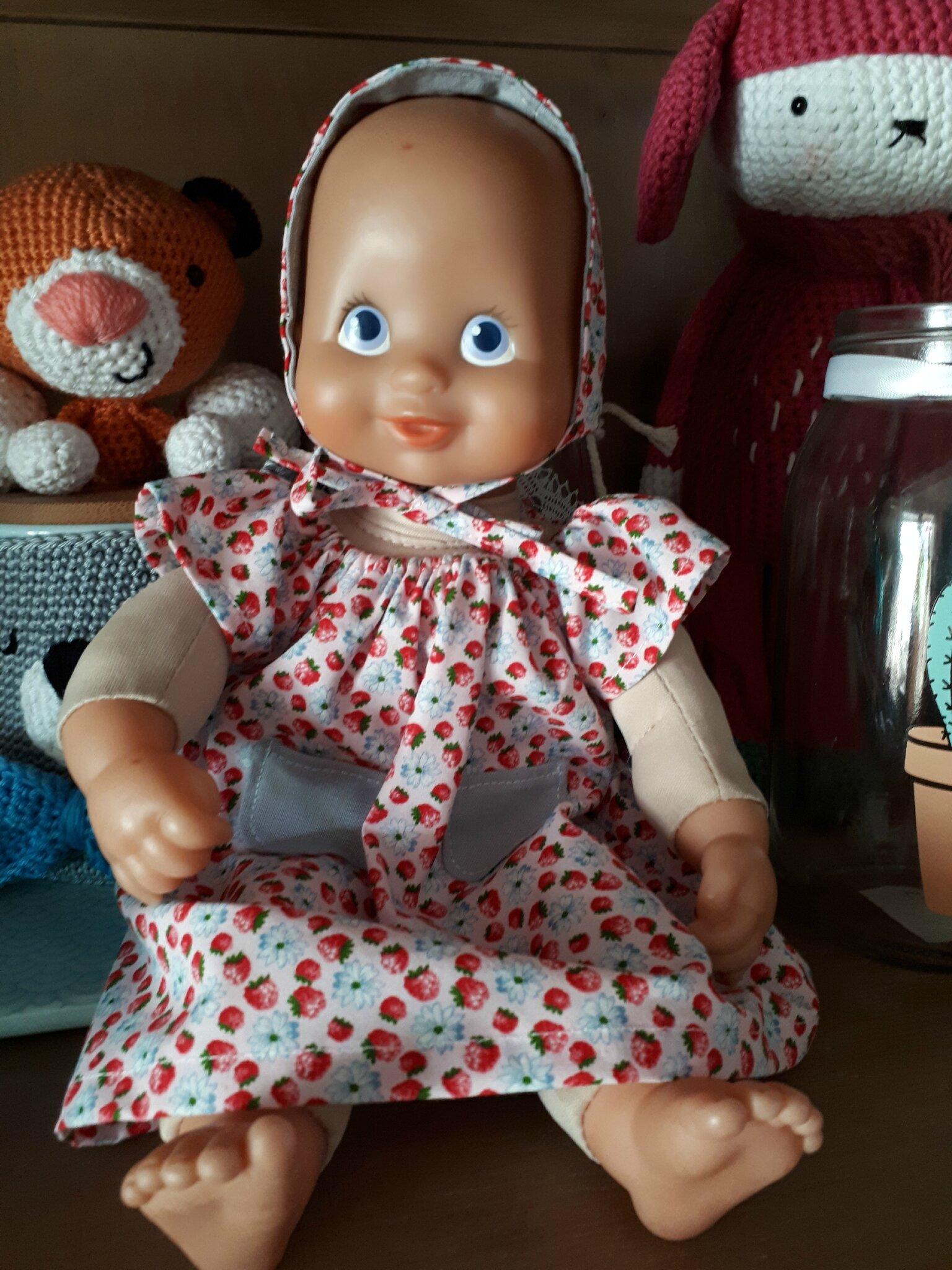 une petite robe pour un mini poupon