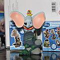 Dumbo figurine disney.