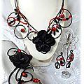 Parure en fil aluminium rouge et noir 3 pièces, collier bracelet et boucles d'oreilles