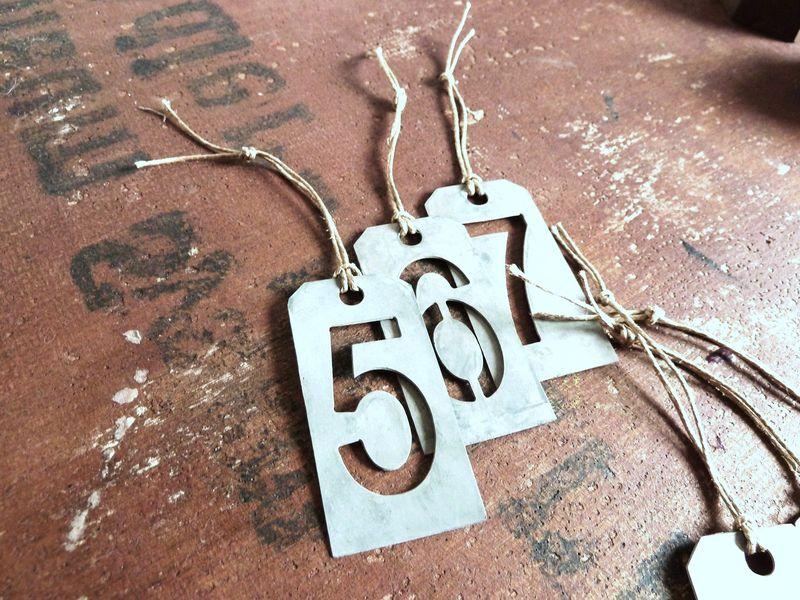 pochoirs en métal