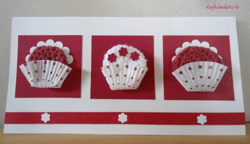 une carte d cor e avec des caissettes en papier pour cupcakes st phanie bricole. Black Bedroom Furniture Sets. Home Design Ideas