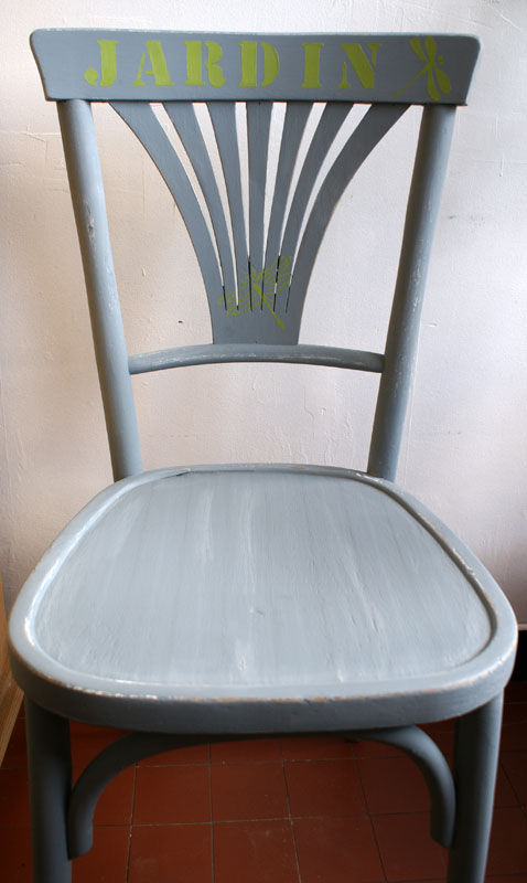 Vieille chaise transformée -